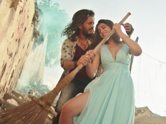 riteish-deshmukh-nargis-fakhri-swept-up-in-love
